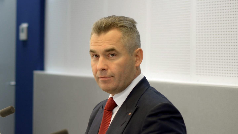 Астахов вышел изотпуска, онработает впрежнем режиме