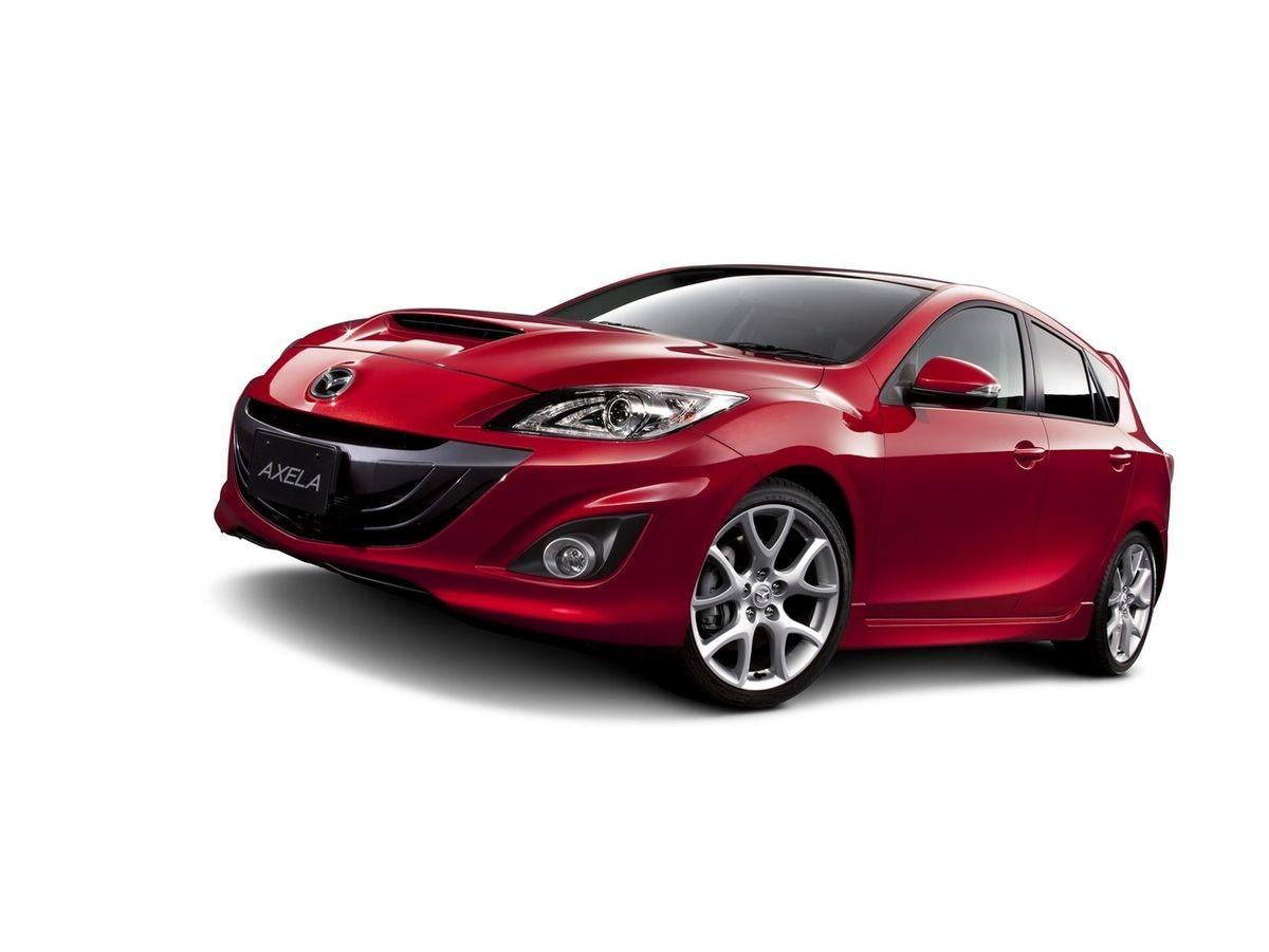 Компания Mazda официально представила обновленную модель Axela