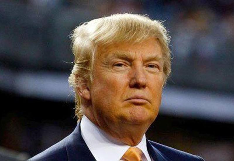 130 голых американок протестовали против выдвижения «неудачника» Трампа впрезиденты