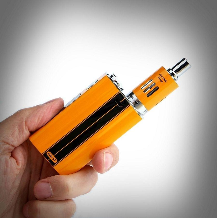 Ученые: Электронные сигареты особо небезопасны для молодых людей