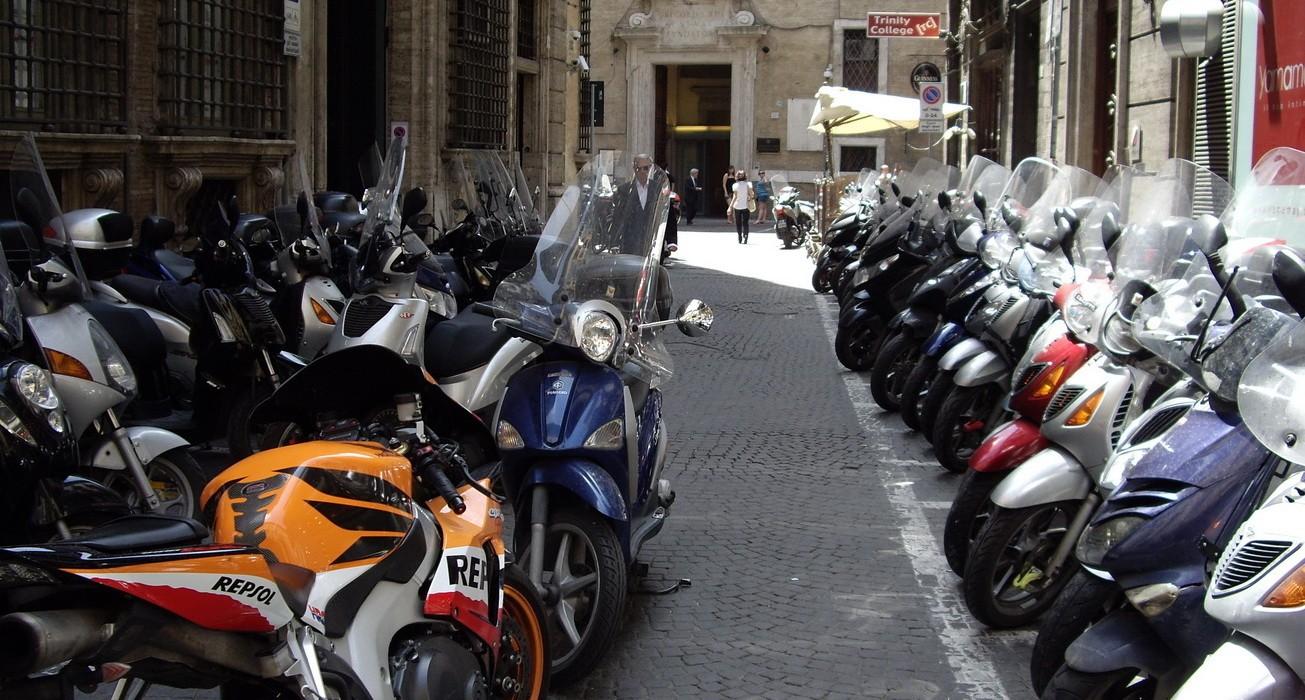 В РФ за полугодие на 37,7% снизились продажи новых мотоциклов