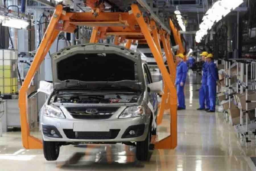Компания АвтоВАЗ в 2016 году сократила производство в три раза