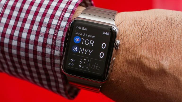 Часы Apple Watch 2 получат экран изцельного стекла