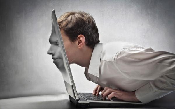 Российские ученые создадут компьютер, способный выражать свои «эмоции»