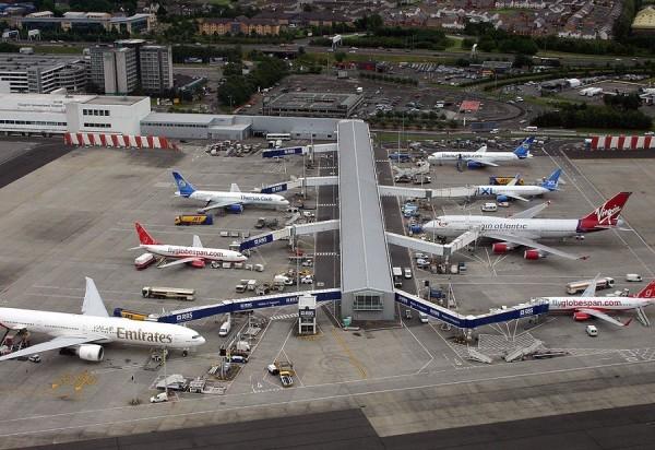 В Глазго перед вылетом задержали пьяных пилотов пассажирского самолета