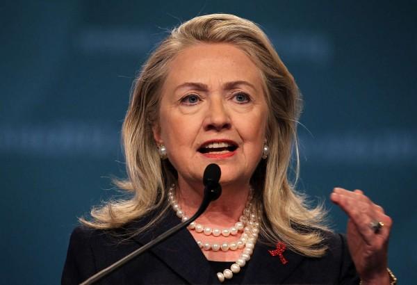 Клинтон заявила о поддержке союзников НАТО в борьбе с угрозами России