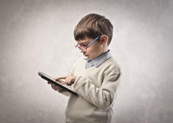Эксперты: Планшеты вредят развитию детей