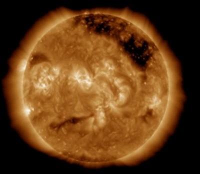 Астрономы отметили, что у Солнца «раздраженное лицо»