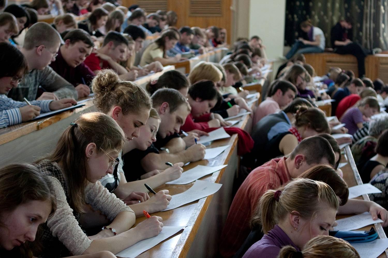 Все дипломные работы российских студентов проверят на плагиат