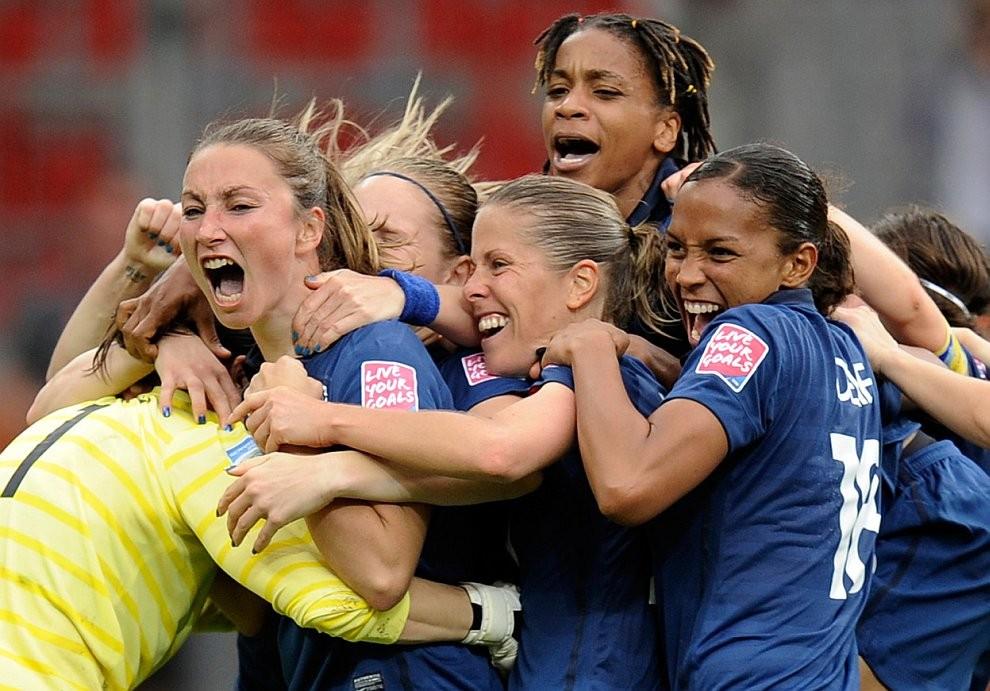 Женская сборная Франции с большим счетом победила Колумбию наОлимпиаде