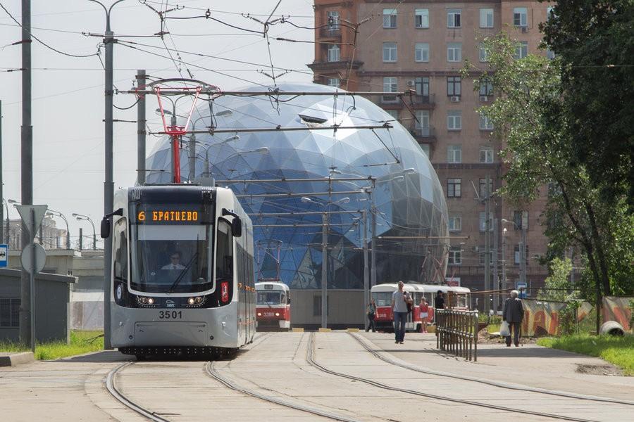 Мосгортранс закупит 300 трамваев вместо 150