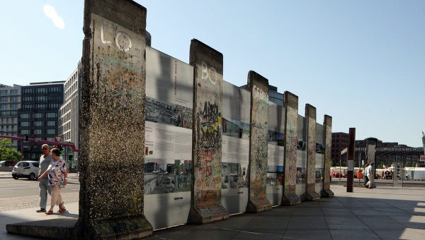 ВГермании среди мусора обнаружили фрагменты Берлинской стены