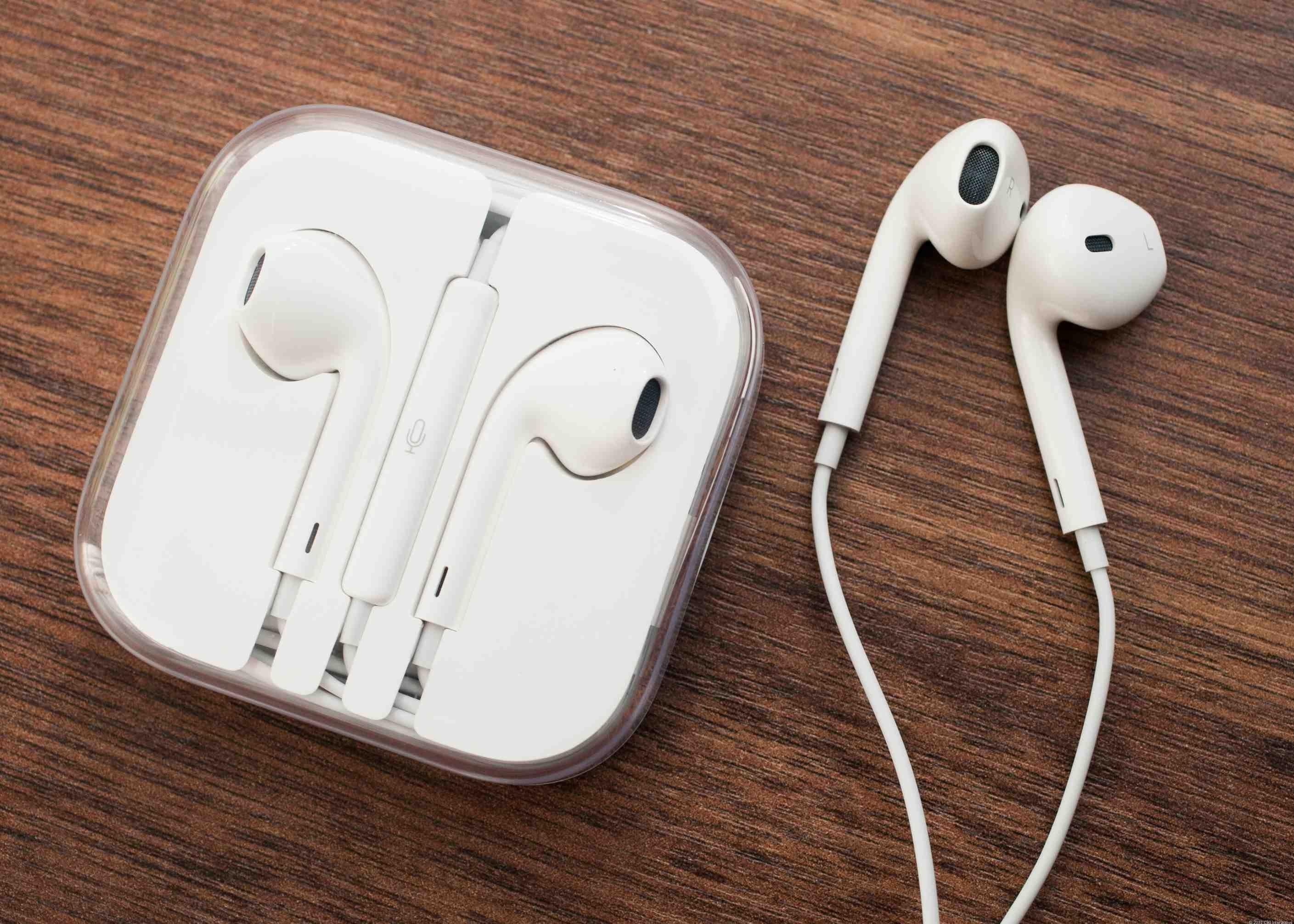 Apple разрабатывает беспроводные наушники AirPods 566eb891e4bce