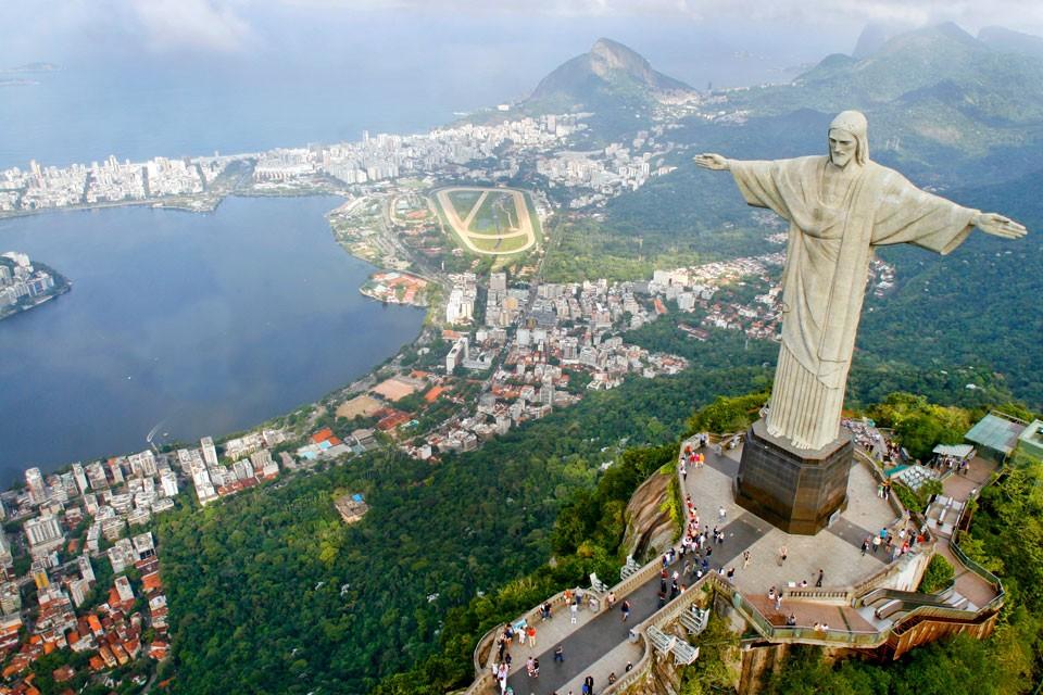 «Португальского Мутко» ограбили впрестижном районе Рио