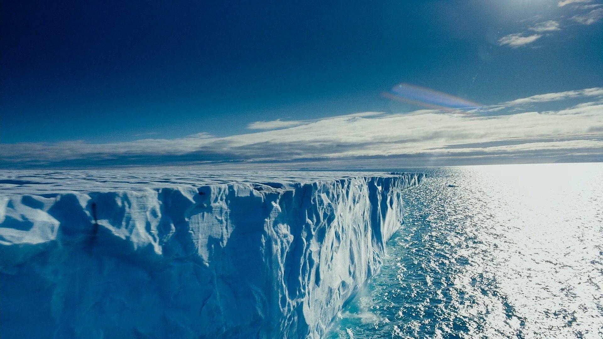 ВКанаде закрылся единственный арктический порт