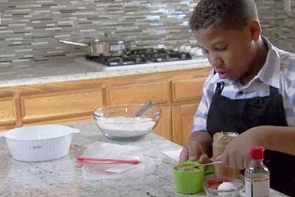 Ребенок открыл пекарню, чтобы посодействовать маме приобрести дом