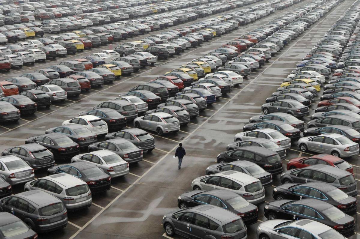 Рынок автомобилей  Российской Федерации  летом  выпал изпятерки европейских лидеров