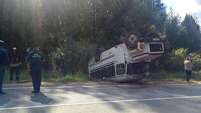ВДТП вКоми попал ученический автобус, пострадали 15 детей