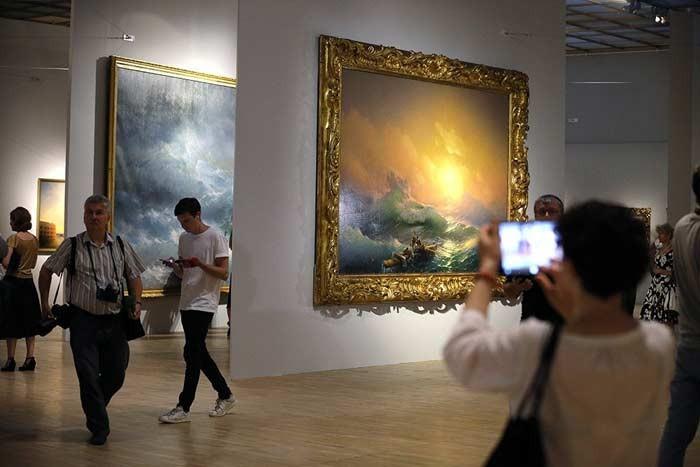 Владимир Мединский: Выставка Айвазовского бьет рекорд выставки Серова