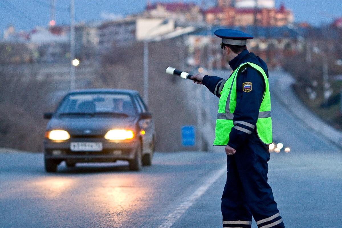 ВЮгре схвачен 17-летний шофёр, сбивший двоих служащих ГИБДД