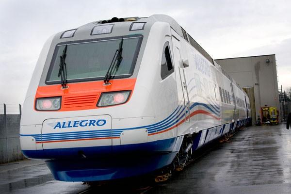 Высокоскоростной поезд «Аллегро» врезался вдерево попути вСанкт-Петербург