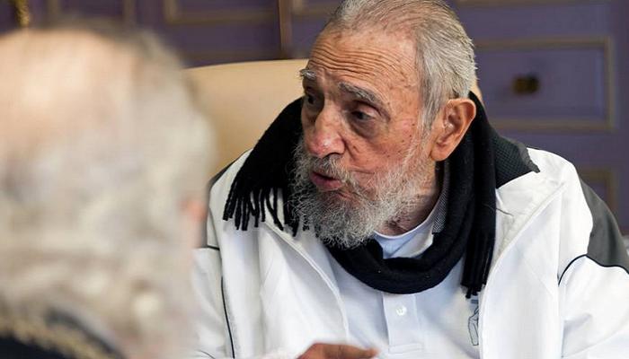 Фидель Кастро впервый раз занесколько месяцев появился напублике