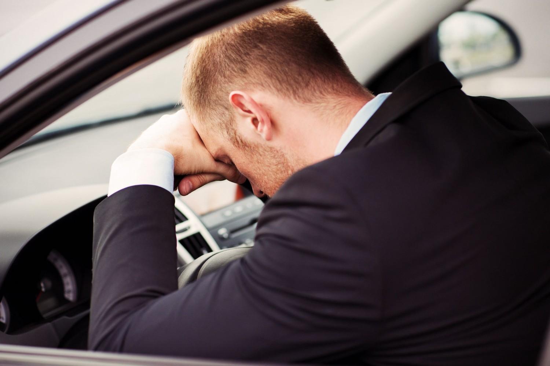 Ученые узнали, почему людей укачивает вавтомобиле