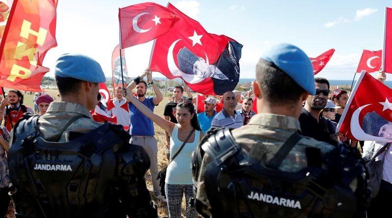 Авторы скандального турецкого сериала «Долина волков» снимут фильм оперевороте