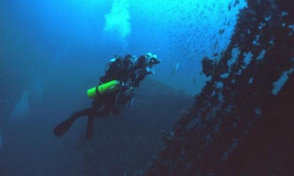 Надне Севастопольской бухты отыскали 2 корабля
