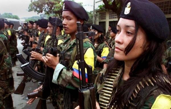 ВИндии при нападении боевиков наармейскую колонну убиты полицейский, двое военнослужащих
