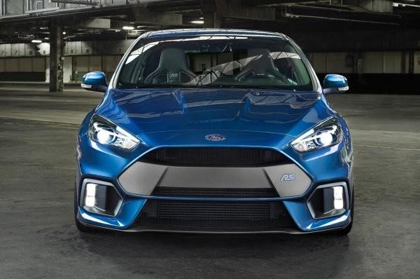 В РФ всередине лета автомобиль Форд Focus стал лидером продаж компании