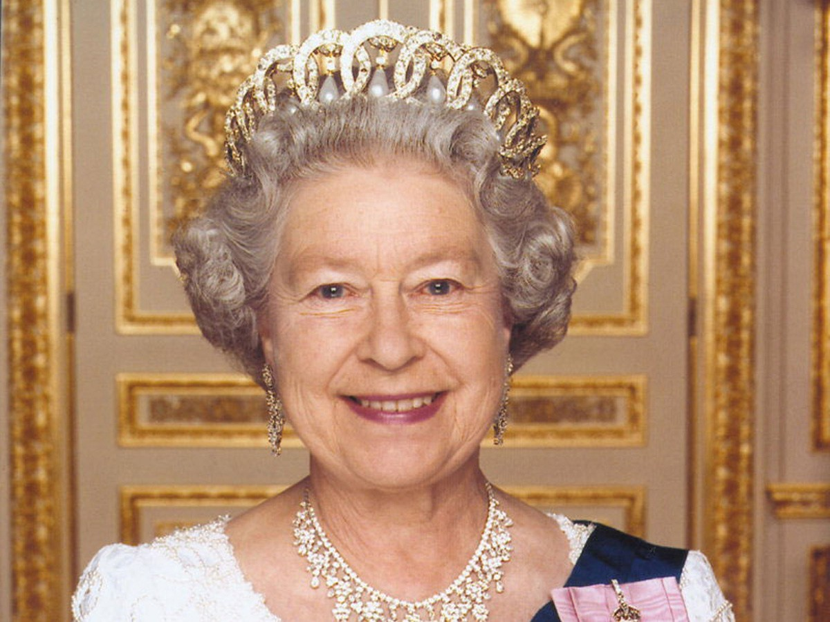 Туристка изРязани поехала в Англию поздравить королеву сюбилеем