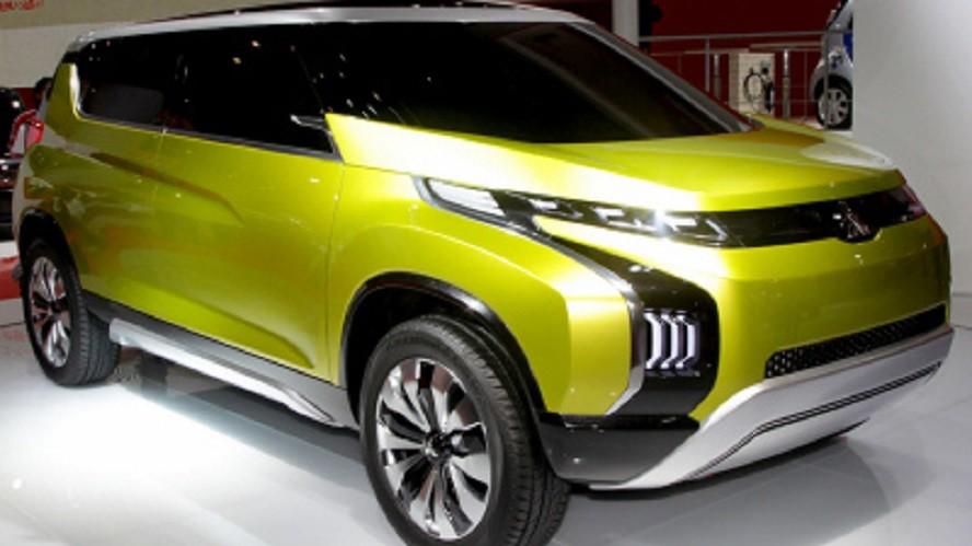ВИндонезии представлен новый MPV-автомобиль Мицубиси