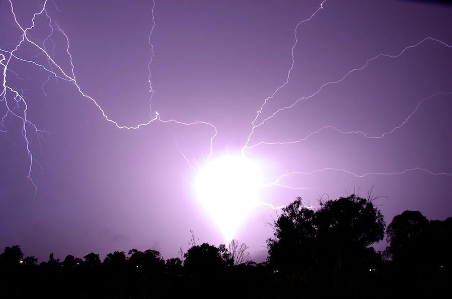 Шаровая молния вВоловском районе контузила ребенка