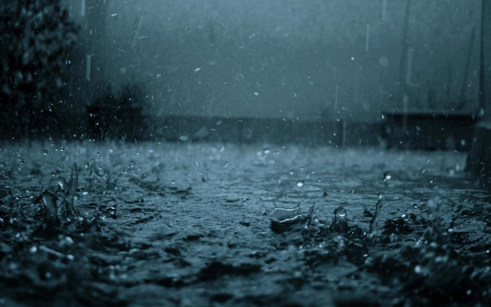 Неменее 20 заявок оскоплениях воды из-за дождя поступило вМосводосток