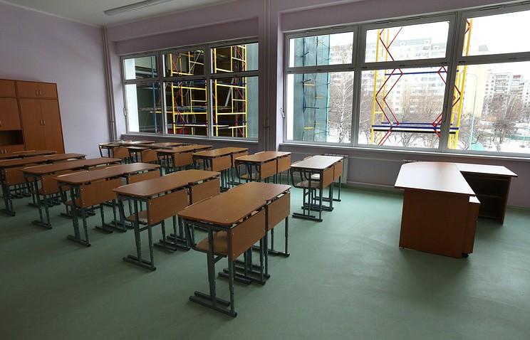 «Будем строить новые школы, чегобы это нистоило»— Д. Медведев