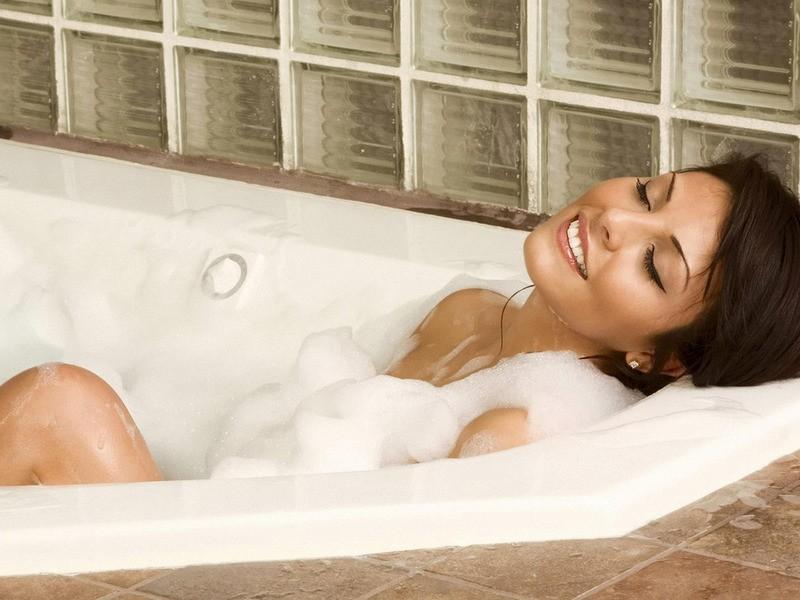 Ученые отыскали новый способ похудения засчет приема горячей ванны