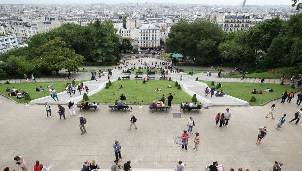 Поток иностранных туристов воФранцию всамом начале следующего года упал на7%