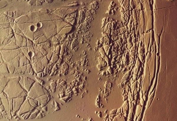 Планетологи ненашли жидкой воды в«соленых ручьях» наМарсе