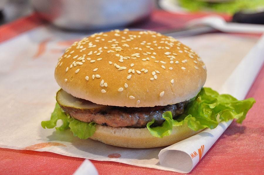Наиболее популярной пищей для пользователей социальная сеть Instagram стал гамбургер