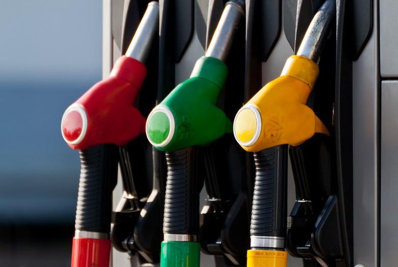 ПроизводителиРФ летом повысили цены набензин на4,6%