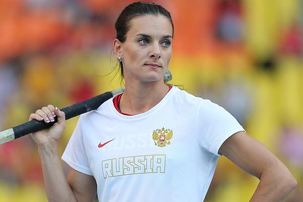 Елена Исинбаева уезжать из Российской Федерации несобирается