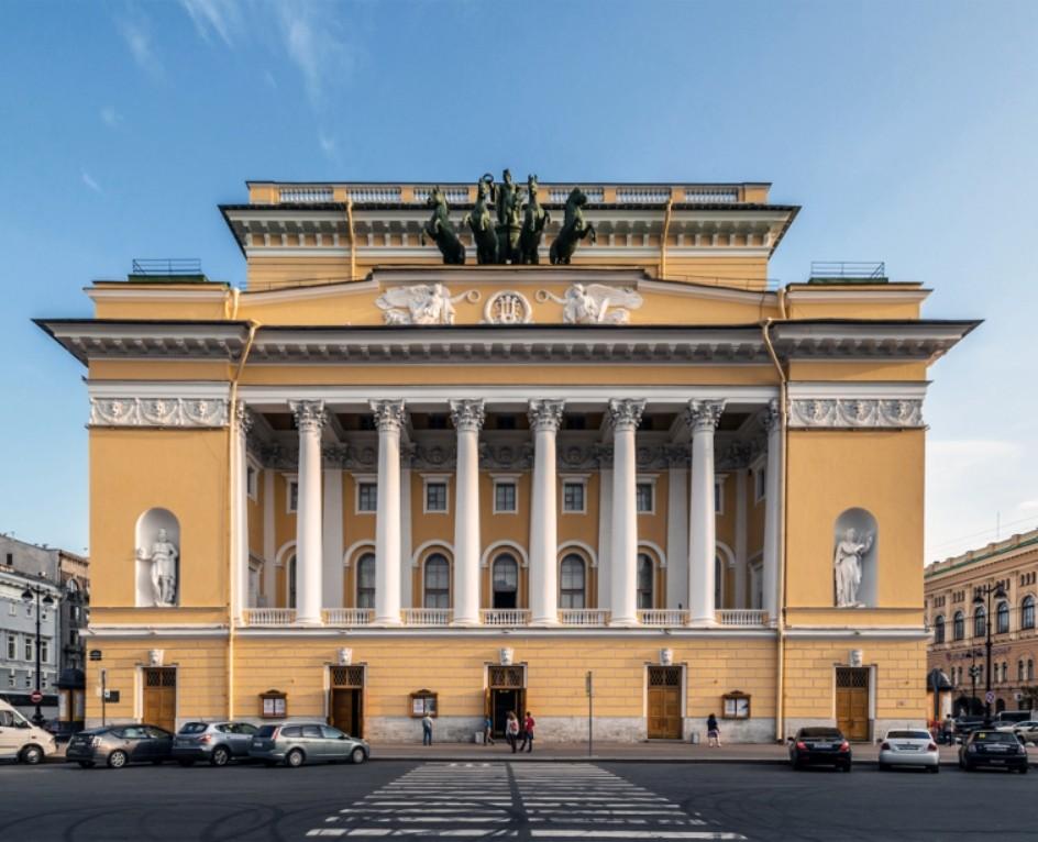 Старейший драматический театр РФ отмечает 260-летие