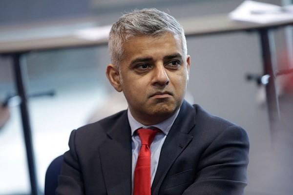 Мэр Лондона просит жителей города соблюдать бдительность после нападения