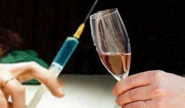 Ученые установили влияние алкоголя и марихуаны на сексуальное поведение