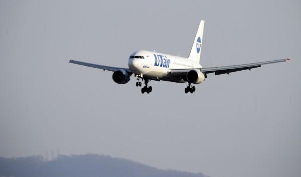 Самолёт компании «UTair» экстренно вернулся во Внуково