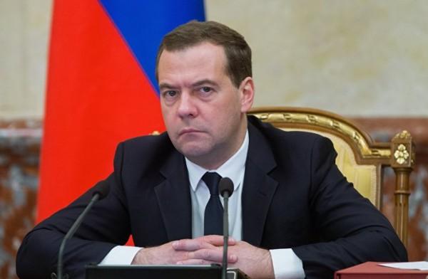 Медведев назвал циничным недопуск российских атлетов на Паралимпиаду