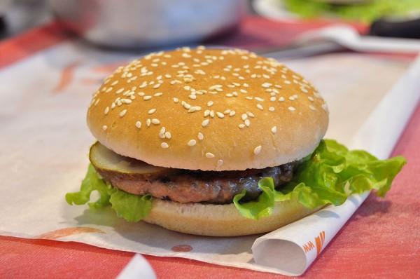 Самой популярной едой для пользователей Instagram стал гамбургер