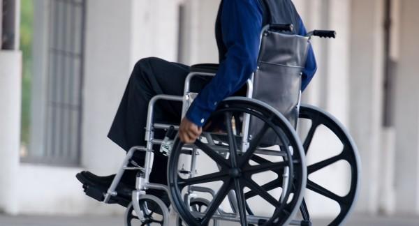 Ученые создали специальные коляски, избавляющие от боли плеч