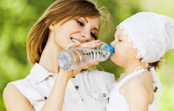 «Росконтроль» обнаружил в детской воде ртуть и хлороформ